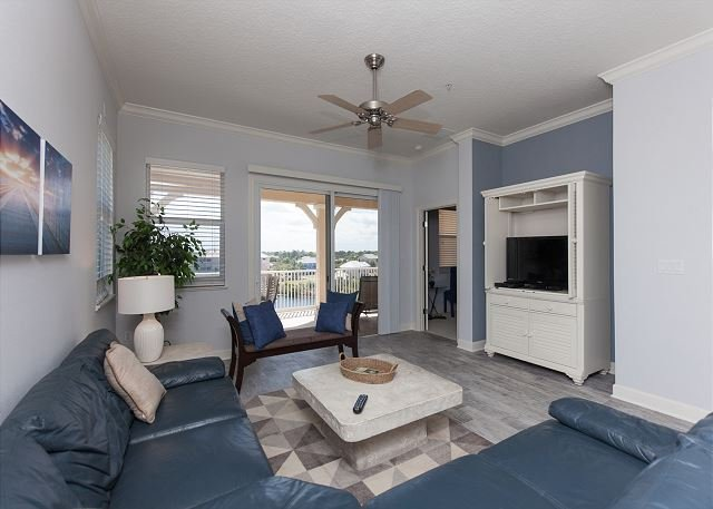 Cinnamon Beach Lake View End Unit - 1041! Newly remodeled 2016 !!, holiday rental in Palm Coast