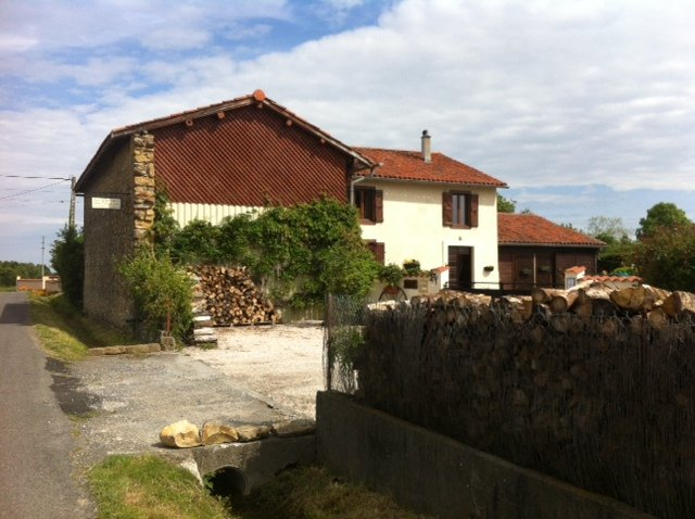 Chambres d'hotes / Bed & Breakfast  Les Glycines, holiday rental in Saint-Gaudens