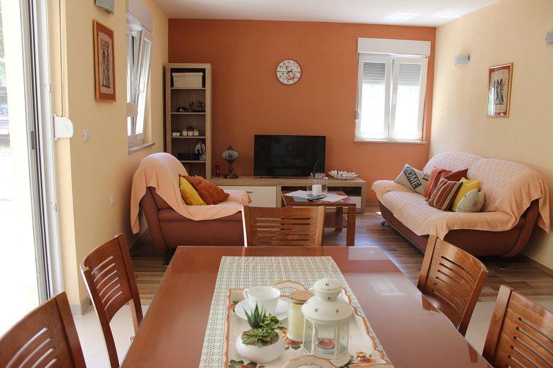 Brelezza apartment, 2-bedroom, 60 m2 (4+2), Brela, alquiler de vacaciones en Brela