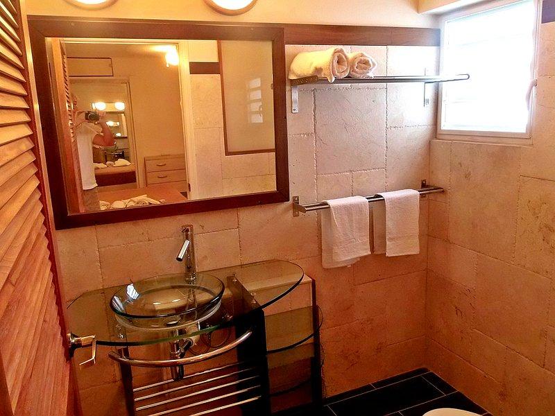 bagno principale. 2 ° bagno essenzialmente identico