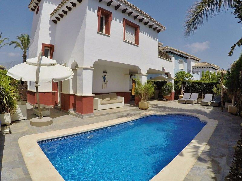 Villa Canelo piscina y jardín