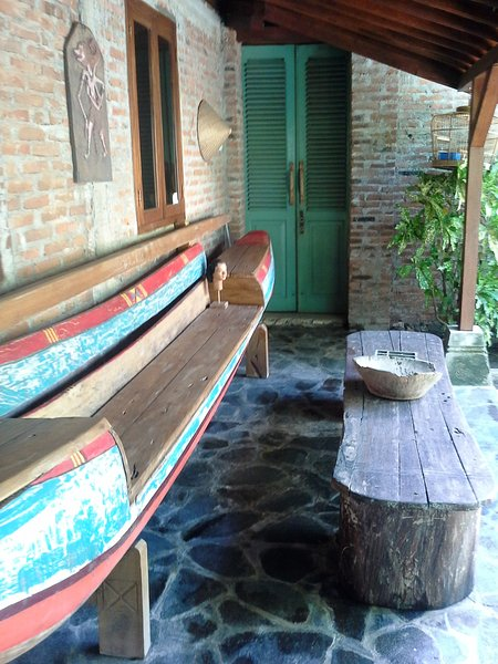 Casa Ruby by the beach, location de vacances à Batu Karas