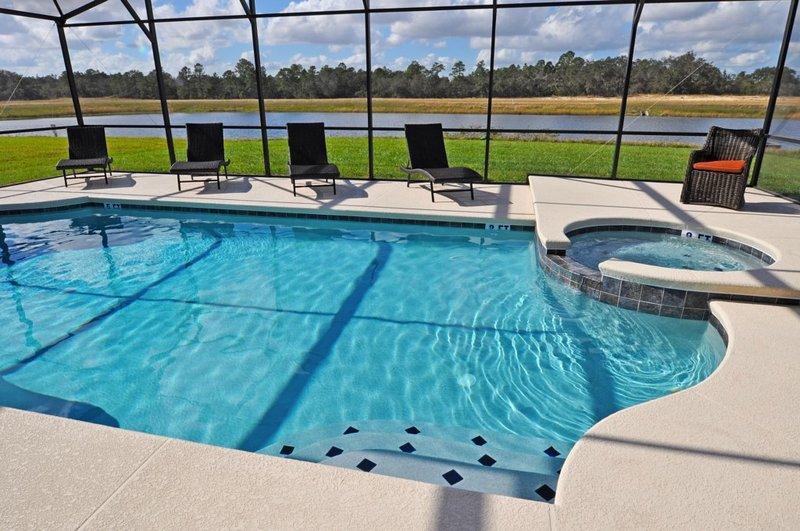 Pool,Resort,Swimming Pool,Water,Jacuzzi
