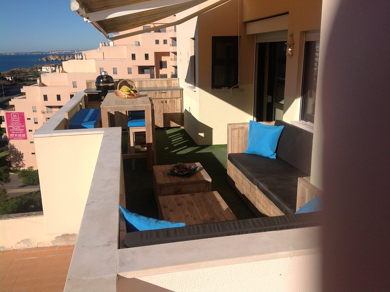 BCozig Apartment 907 with 2 terras with sea view, aluguéis de temporada em Praia da Rocha