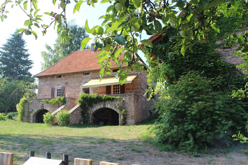Séjour romantique en Bourgogne, holiday rental in Sailly