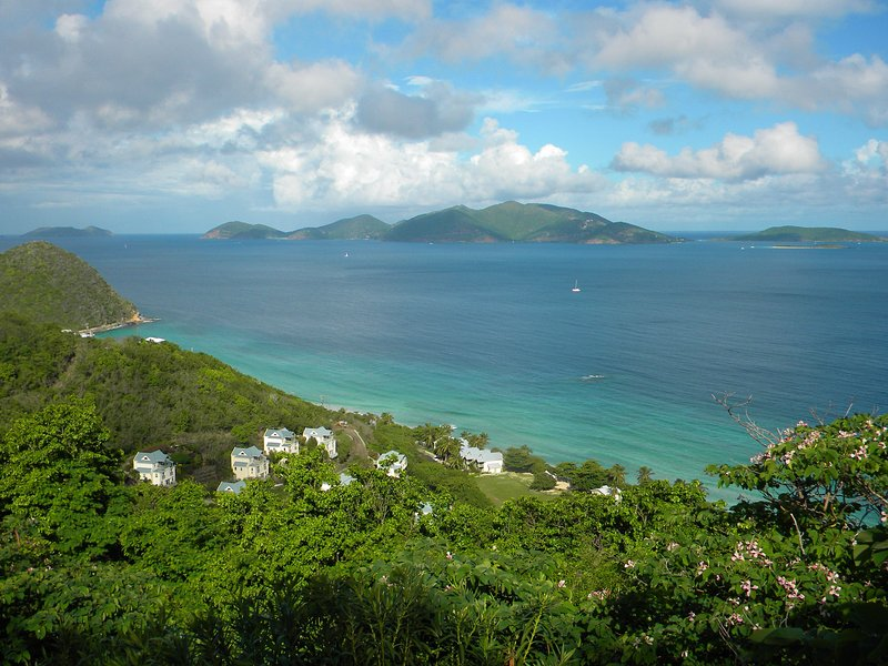 Newly refurbished Longview Villa with Heated 40ft pool and stunning views, holiday rental in Tortola