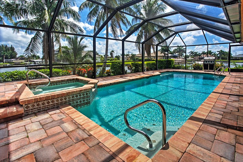Newly Renovated Tropical Getaway in Cape Coral!, holiday rental in Matlacha