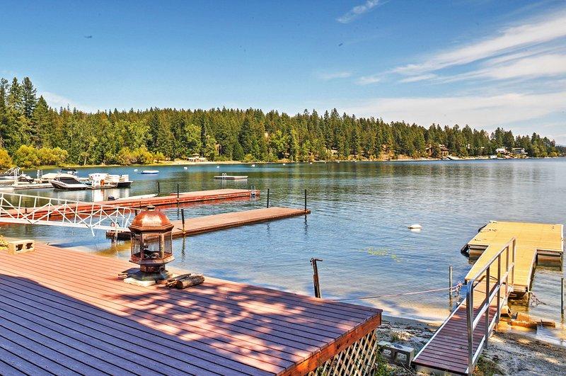 Encontre o seu próprio oásis pessoal neste lago bela Newport cabine.