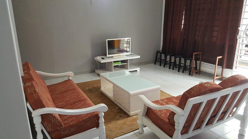 Anjung No 1 Bed and Breakfast KLIA, holiday rental in Sepang