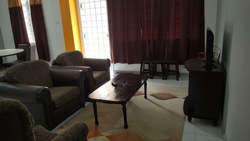 Anjung No 8 Bed and Breakfast KLIA, holiday rental in Nilai