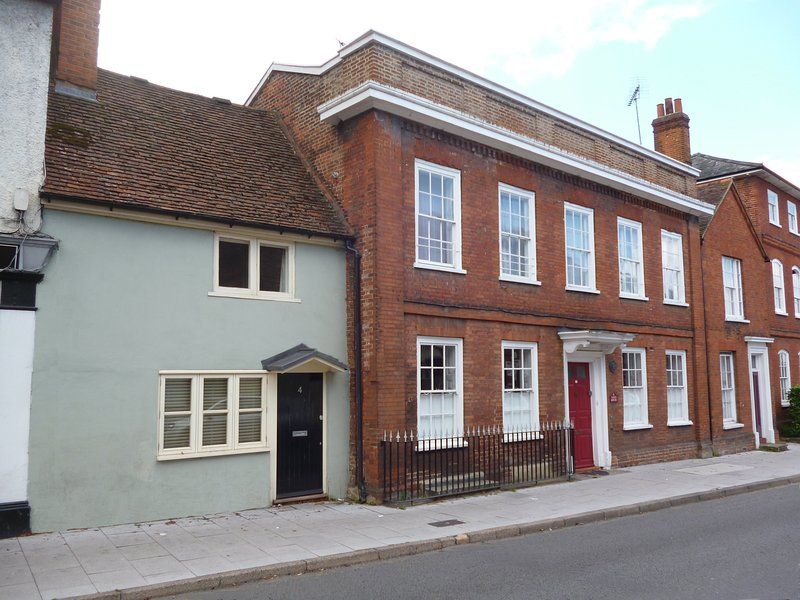 Kings Cottage Wokingham, holiday rental in Sandhurst
