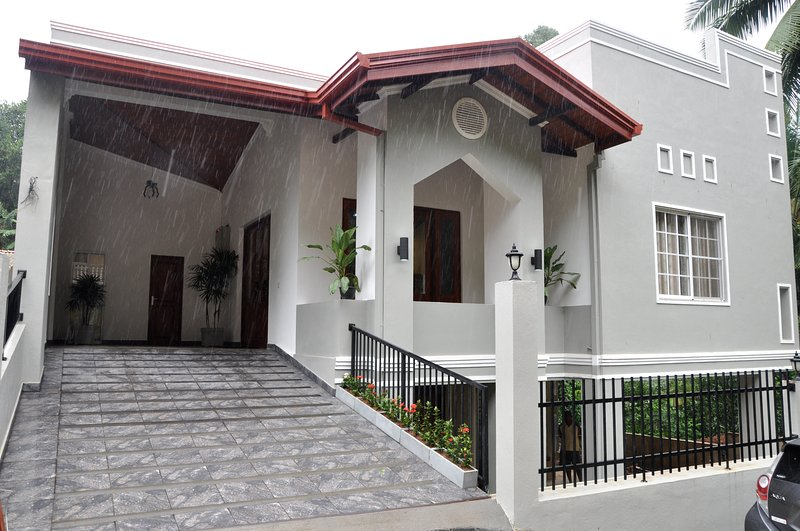 Urban Residence, vacation rental in Kadugannawa