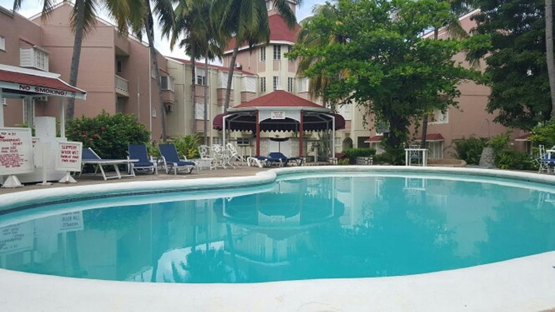 Pic de la piscine du balcon privé