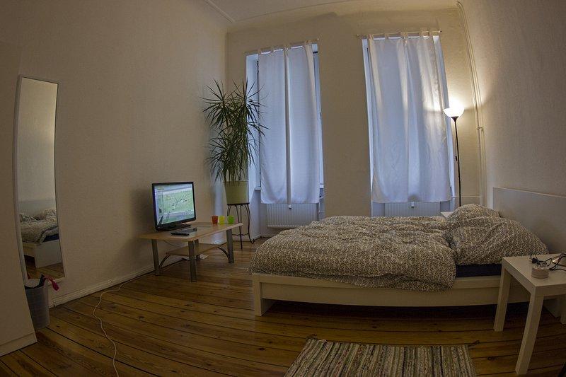 Gemütliche 67 qm Wohnung im Schillerkiez mit 2 Schlafzimmern, holiday rental in Mahlow