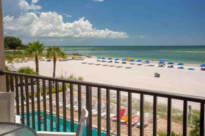 Pass y el Golfo de México frente a la playa privada de balcón con vistas a John