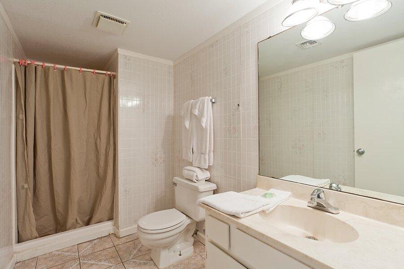 An zweiter Stelle von 2 Badezimmer