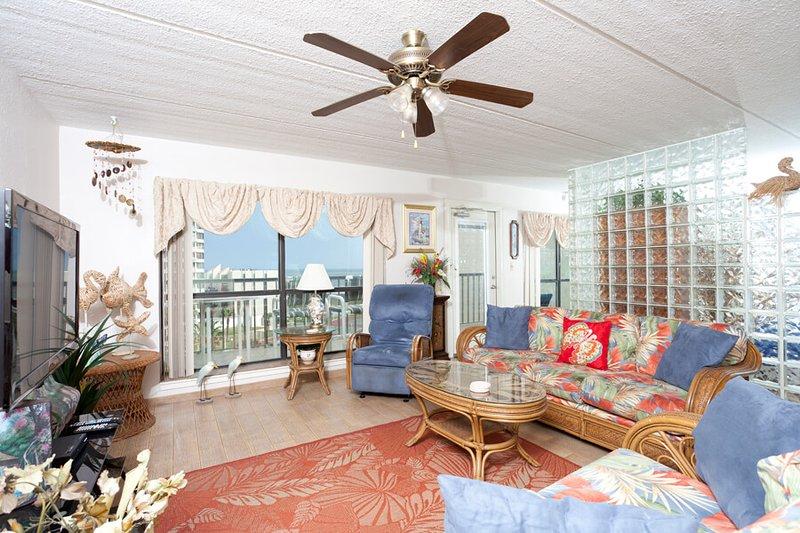 Saida IV 709 Living Area