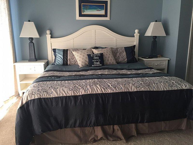 2nd Floor Oceanfront Bedroom - King