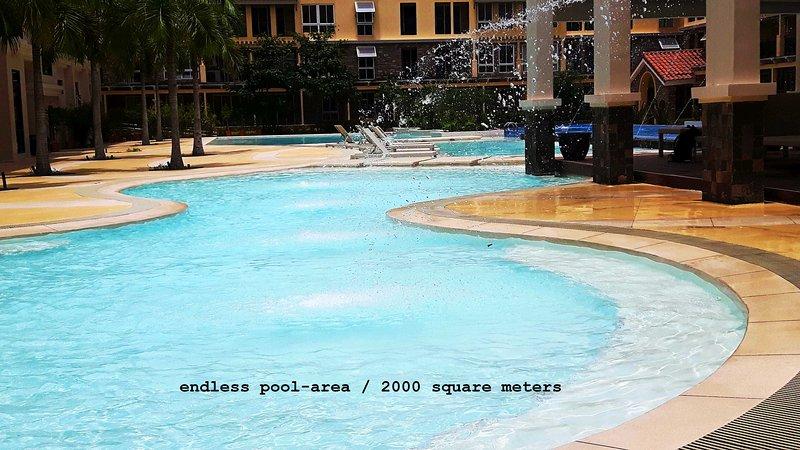 Brandnew luxury 2-BR condo next to SM Seaside Mall & IlCorso Seaside Restaurants, holiday rental in Cebu Island