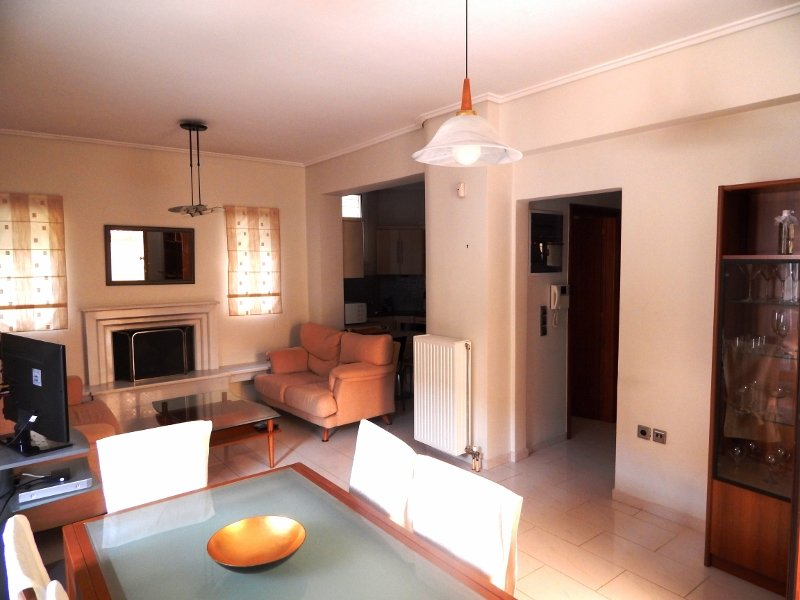 Glyfada rental, 10 minutes from the beach, vacation rental in Koropi