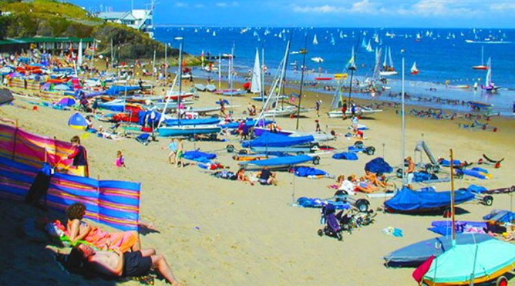 Abersoch Beach - cafes shops bistros and sailing school nearby