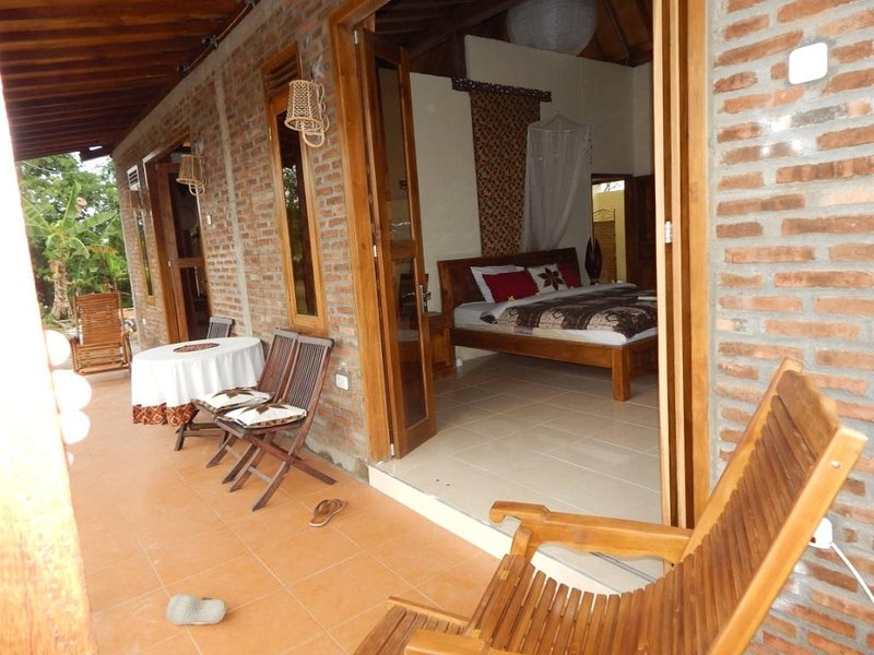 nice terrace  10 x 2 meters with rice field and Merapi Vulcano view!
