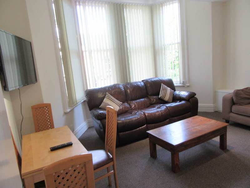 2 Bedroom Apartment Aigburth Liverpool
