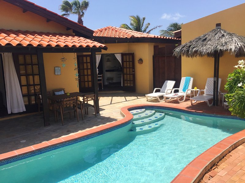 Aruba Villa with private pool, 3 min. from beach, holiday rental in Noord