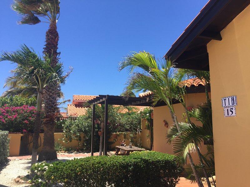 Front yard of Villa Tibushi Aruba