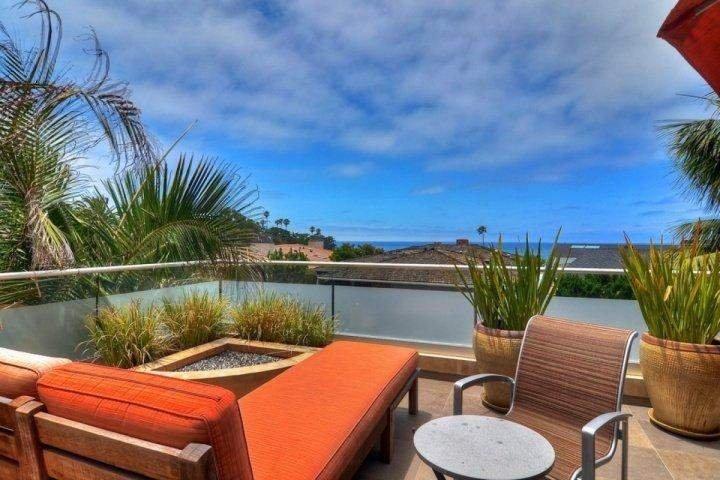 Lounge und firepit auf Ocean View Patio