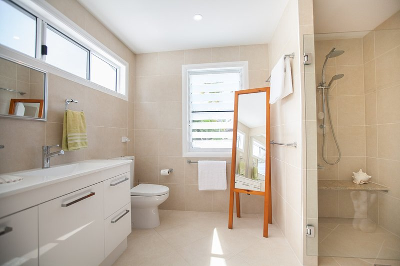 Master Retreat Upstairs bathroom with Double shower, double vanity, toilet, Hair Dryer