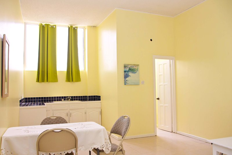 South Grove Convenient Apartment, holiday rental in Vieux Fort