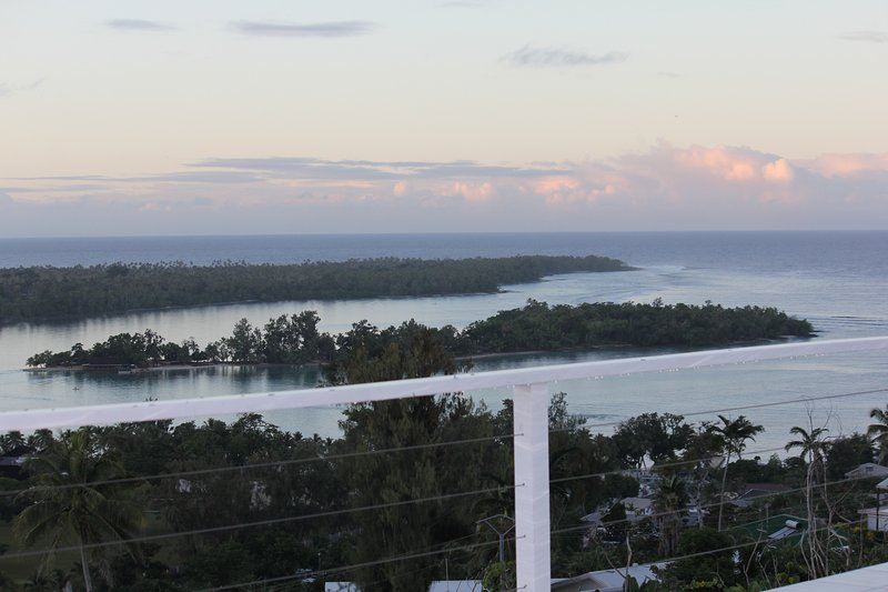 A majestic oceanic landscape in the South Pacific, holiday rental in Mele