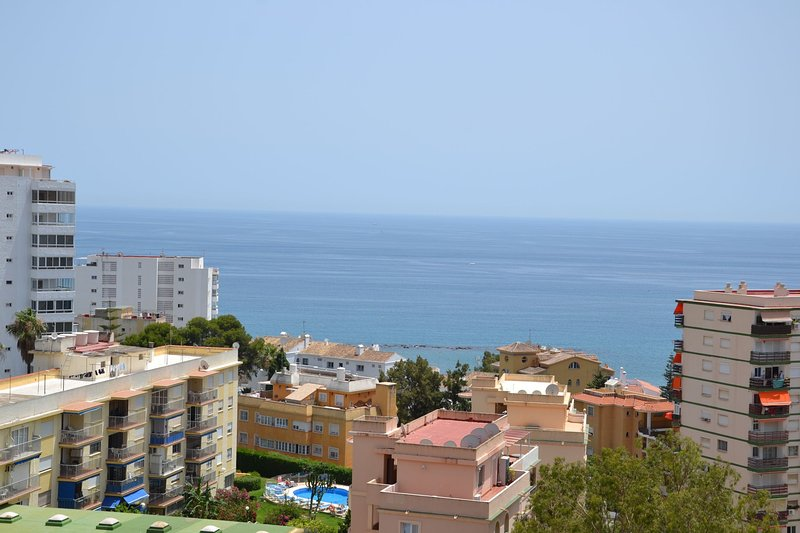 Studio with beautiful sea views and magnificent pools