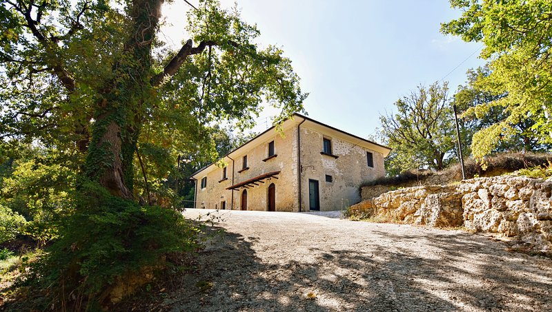Chalet Colle Lo Zoppo Arpino, holiday rental in Colfelice