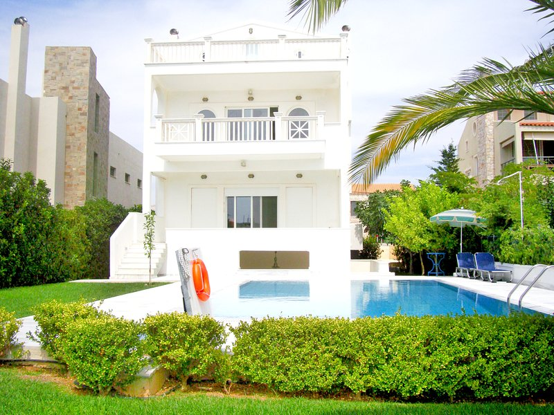 A PLACE TO DREAM-Pool Beach Hilltop Apt, holiday rental in Palaia Fokaia