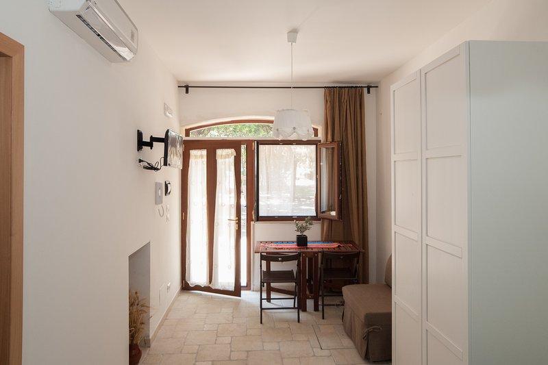 Studio im Erdgeschoss: Doppel- / Zweibettzimmer + 1 Zusatzbett tvsat + + + Wi-Fi Klimar