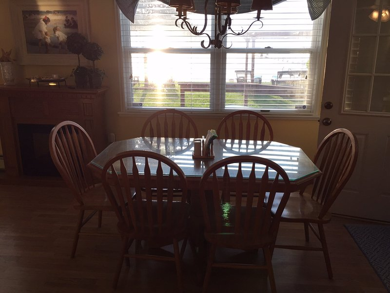 Eat-In Oversized Kitchen with Amazing Views of Lake - Perfect Place to Enjoy the Majestic Sunsets!