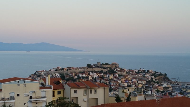 Family apartment with a breathtaking view.., vacation rental in Kavala
