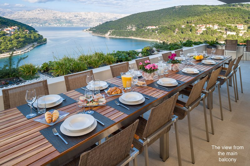 Magnificent views from our luxury villa with heated pool, jacuzzi and gym., holiday rental in Brac Island