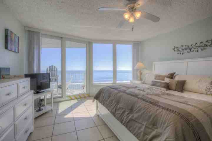 Your master suite bdrm & king size bed with spectacular oceanfront views and private balcony overlooking the beach