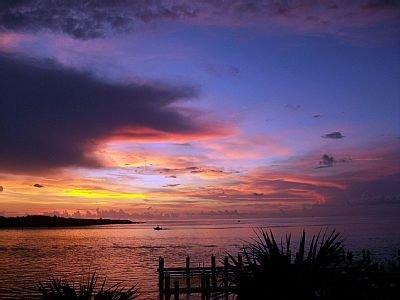 La vue au coucher du soleil. Sortez les verres Margarita!