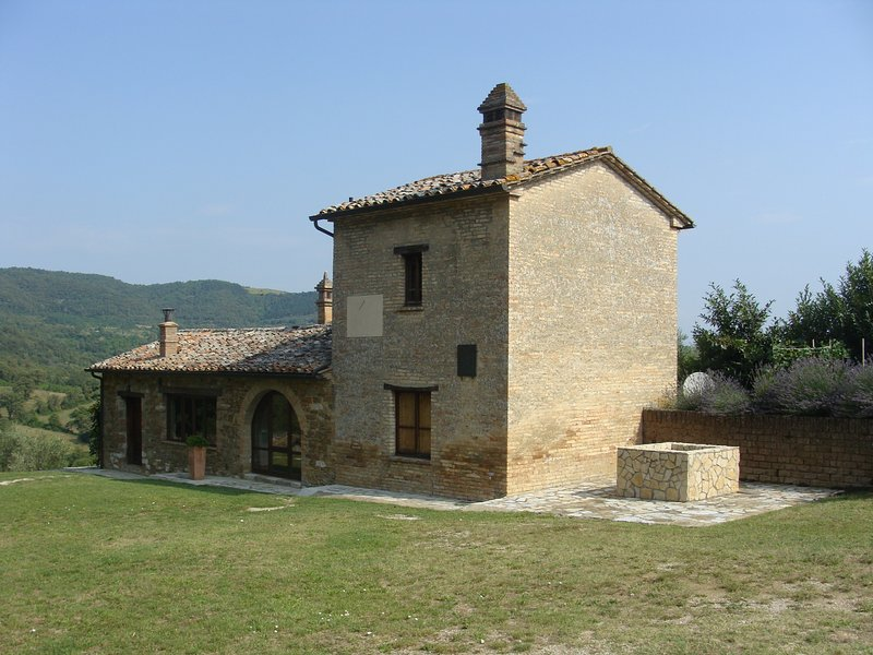 Guesthouse by Caimeli, casa vacanza a Umbertide