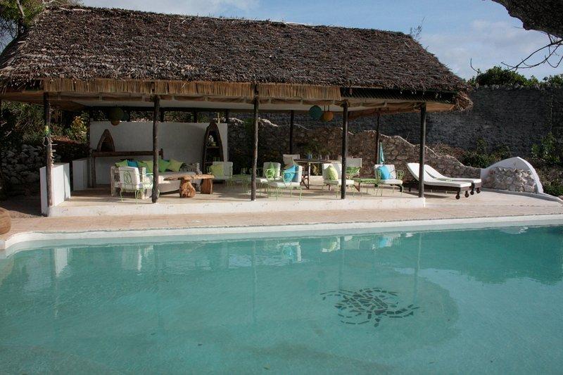 Piscina e Casa con piscina