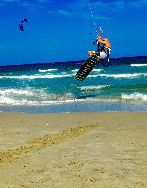 instructor local disponible para las clases; kitesurf pei