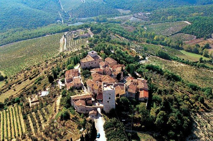 ARTE REBUS TORRE en la Toscana