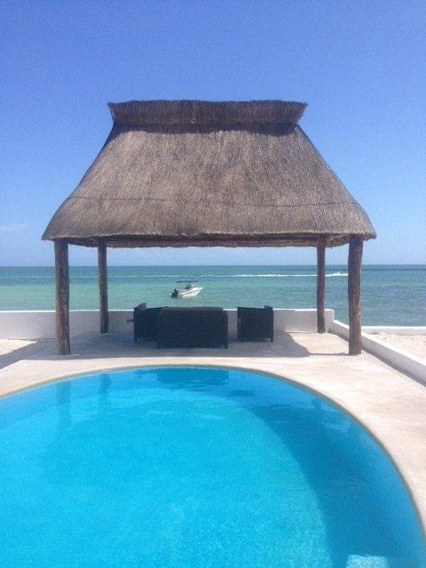 Marlin frente al mar, con piscina,a/c,wifi, sat tv, vacation rental in Chicxulub Municipality