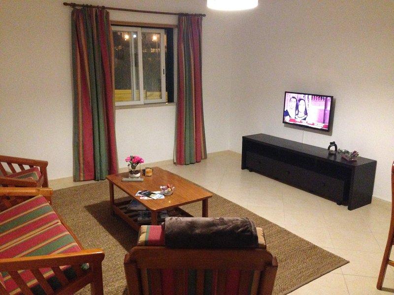 Apartamento p/ Férias Algarve - Faro - montenegro, holiday rental in Pechao