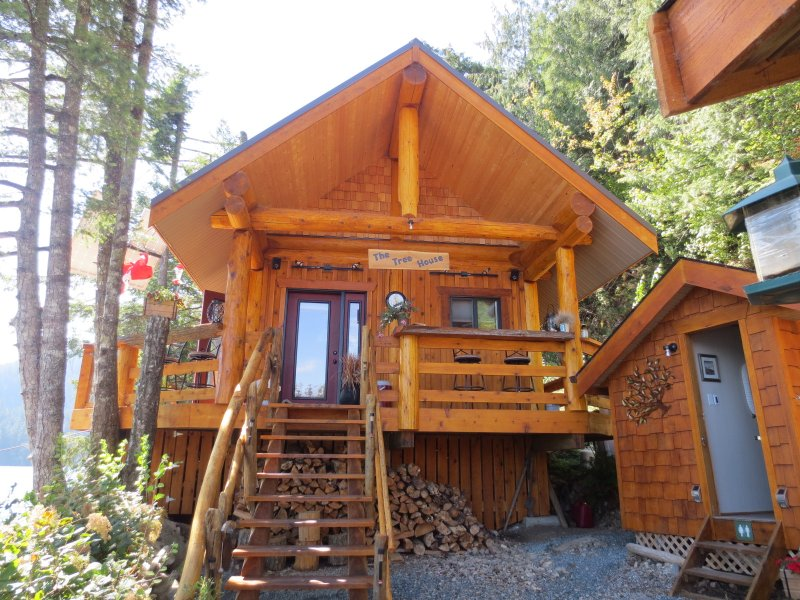 Front entrance of the Treehouse.