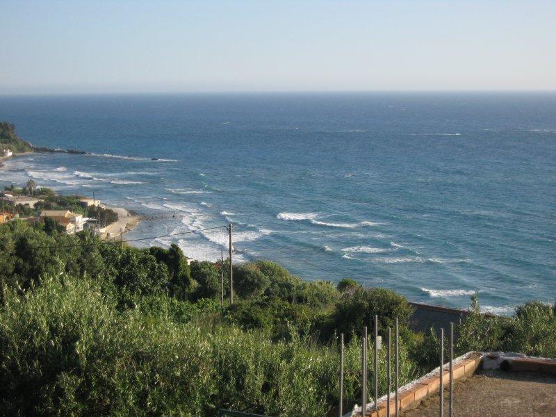 Areti Studio (Apartment Top Floor), holiday rental in Agios Matthaios